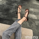羅馬涼鞋露趾中跟涼鞋女2021夏季新款時尚百搭休閒一字扣帶珍珠套趾羅馬鞋 衣間