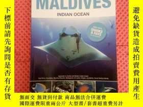二手書博民逛書店FISHES罕見OF THE MALDIVES INDIAN O