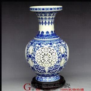 景德鎮 陶瓷器 鏤空瓶中瓶雕刻瓷