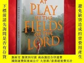 二手書博民逛書店At罕見Play in the Fields of the Lo
