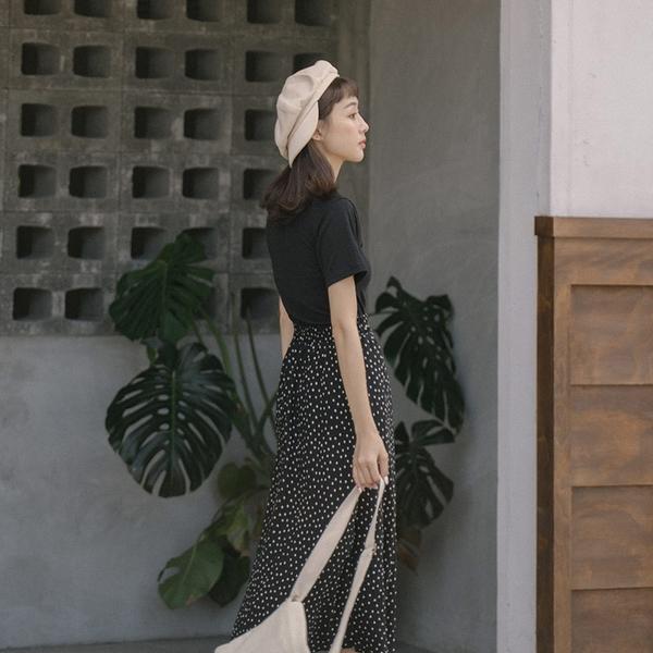 Queen Shop【03020862】波點細摺造型雪紡傘擺長裙 兩色售*現+預*