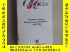 二手書博民逛書店英文書罕見namibia a decade of peace d