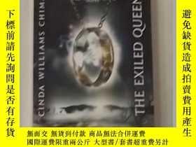 二手書博民逛書店《罕見The Exiled Queen 》[Paperback]