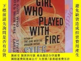 二手書博民逛書店The罕見Girl Who Played With Fire 英