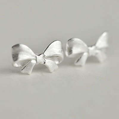 925純銀耳環(耳針式)-可愛蝴蝶結生日情人節禮物女飾品73dr65【時尚巴黎】