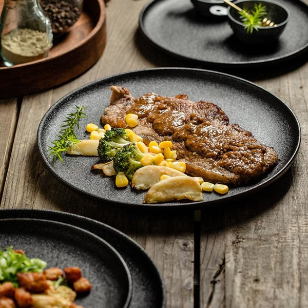 牛排餐盤西餐盤子陶瓷方盤家用黑色創意日式西式早餐圓盤牛扒餐具 {限時免運}