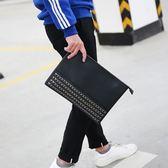 中性男士手包時尚潮男手拿包大容量個金屬裝飾手夾包信封包 智能生活館