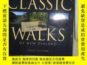 二手書博民逛書店Classic罕見Walks of New Zealand 新西