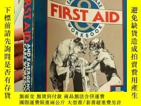 二手書博民逛書店First罕見Aid and Emergency Care Wo