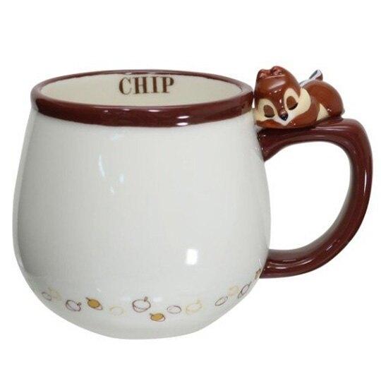 小禮堂 迪士尼 奇奇蒂蒂 造型陶瓷馬克杯 咖啡杯 茶杯 陶瓷杯 340ml (棕白 杯邊玩偶) 4942423-25847