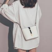 高級感包包女新款韓版百搭質感斜背包簡約洋氣網紅水桶包 潮流衣舍