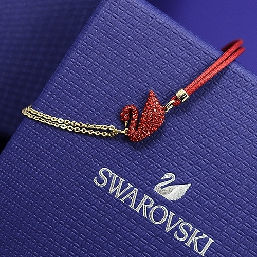 SWAROVSKI 施華洛世奇 Iconic Swan紅色水晶天鵝造型金色手環手鍊5465403