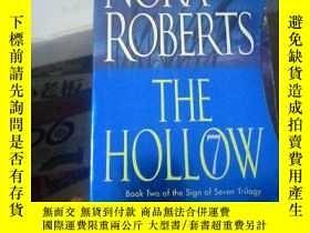 二手書博民逛書店The罕見Hollow(ISBN=9780515144598)