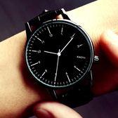 手錶 手錶女士學生正韓時尚潮流防水簡約夜光男錶皮帶流行女錶情侶手錶一對