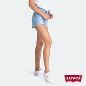 Levis 501中腰排釦牛仔短褲 / 不規則抓鬚破壞 / 無彈性 / 淺藍水洗