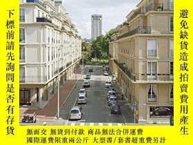 二手書博民逛書店Urbanity罕見and Density: In 20th-C