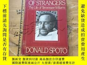 二手書博民逛書店The罕見Kindness of Strangers: The