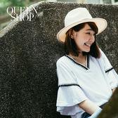 Queen Shop【01095789】V領流蘇織帶造型上衣*預購*