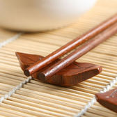 ♚MY COLOR♚樹葉造型木質筷子托 家用 托筷枕 日式 筷架 筷拖 餐桌 勺子架 廚房 【P203】