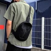 胸包 小黑包質感斜挎包男ins超火百搭學生男士運動小胸包腰包 快速出貨