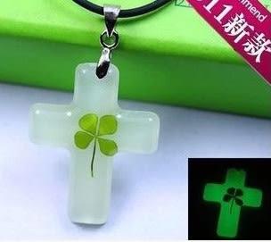 夜光-幸運草 小朋友 十字架掛飾 項鍊 禮物