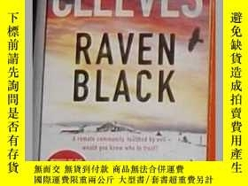 二手書博民逛書店英文原版罕見Raven Black by Ann Cleeves