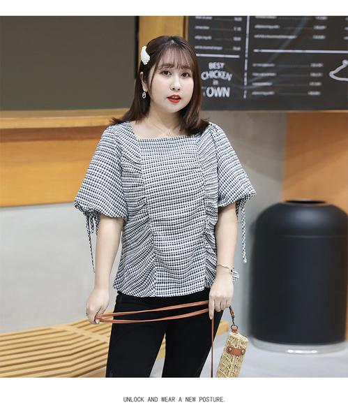 (現貨+預購 FUWAFUWA)- 加大尺碼格紋蓬蓬袖短袖T恤上衣