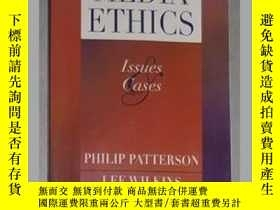 二手書博民逛書店英文原版罕見Media Ethics: Issues and C