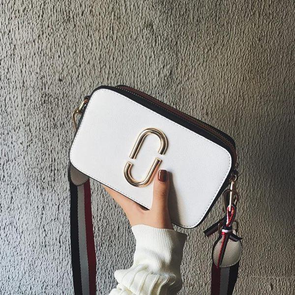 斜背包—新款女包相機包斜背包寬帶包單肩小方包同款包包潮 依夏嚴選