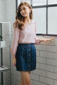 單一優惠價[H2O]前片縷空繡花氣質風八分袖厚雪紡上衣 - 白色/粉色 #8675003