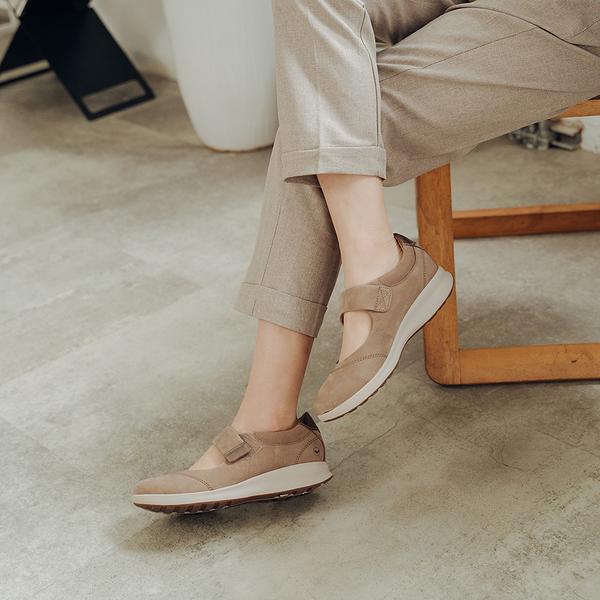 CLARKS UN ADORN STRAP 休閒鞋 駝 CLF40135SC19 女鞋
