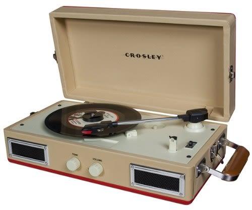 ::bonJOIE 預購:: Crosley Mini Turntable 奶油紅款 迷你手提箱黑膠播放機 可攜式 攜帶型 唱盤 音響 音箱