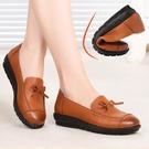 平底平跟防滑軟底中老年女鞋婦女媽媽鞋皮鞋單鞋中年皮鞋女