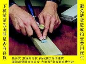 二手書博民逛書店The罕見Complete Guide To Sharpening (fine Woodworking)Y46
