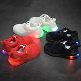 兒童發光鞋男童運動鞋新款潮秋季兒童軟底發光燈鞋中小童寶寶透氣女童鞋多莉絲旗艦店