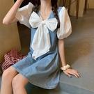 牛仔洋裝 牛仔裙拼接泡泡袖連身裙女新款夏季蝴蝶結甜美裙子短裙夏天