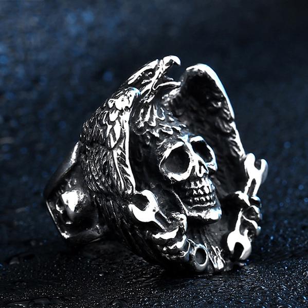 《 QBOX 》FASHION 飾品【R10BR8-435】精緻龐克風老鷹骷顱頭鑄造鈦鋼戒指/戒環