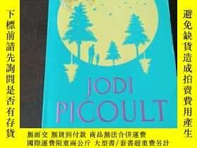 二手書博民逛書店Lone罕見Wolf: A Novel(英文原版)Y271942 Jodi Picoult Hidden 出