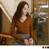 《AB11613》親膚系列.高含棉V領交叉坑條細針織上衣 OrangeBear