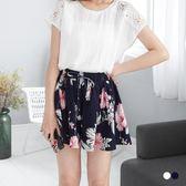 OB嚴選《BA3048-》腰圍鬆緊抽繩壓皺質感花朵印花短褲裙.2色--適 S~XL