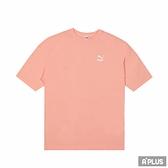 PUMA 女流行系列CLASSICS寬版短袖T恤 粉橘色-59957926