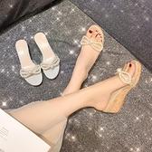 蝴蝶結珍珠涼拖鞋女外穿時尚鬆糕厚底坡跟透明拖鞋【慢客生活】
