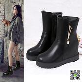 短靴 新款時尚女鞋秋冬季平跟內增高厚底中筒靴女加絨保暖雪地靴潮 生活主義