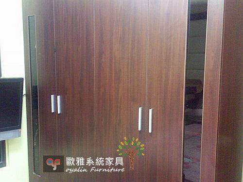 【歐雅系統家具】特別中間夾茶玻璃衣櫥 床頭矮櫃 玻璃有多種樣式顏色可供挑選~