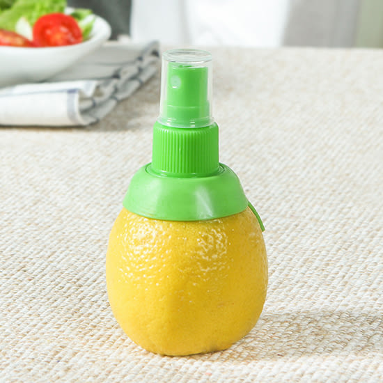♚MY COLOR♚手動榨汁噴霧器 檸檬 噴霧器 水果 噴汁 榨汁 壓汁 噴頭 創意 迷你 廚房用品 【G16-1】