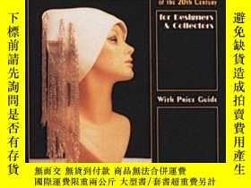 二手書博民逛書店Women s罕見Hats of the 20th Centur
