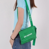 腰包 肩背包 側背包 防盜 收納袋 單肩包 證件包  學生包 多背式斜背包【J135】米菈生活館