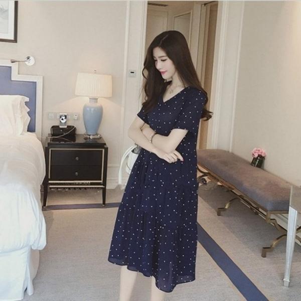 漂亮小媽咪 雪紡洋裝【D1262】短袖 圓點點 V領 傘狀 洋裝 孕婦裝 孕婦洋裝 長裙