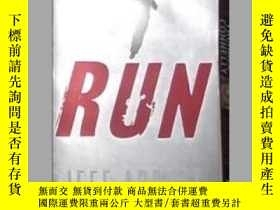 二手書博民逛書店英文原版罕見Run by Jeff AbbottY14063 J