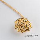 材質:琺瑯手繪全彩上色 顏色:黃銅鍍金(有特殊處理,不易退色) 鍊圍:可調整